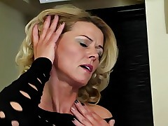 xxx gonzo milf - porno video free